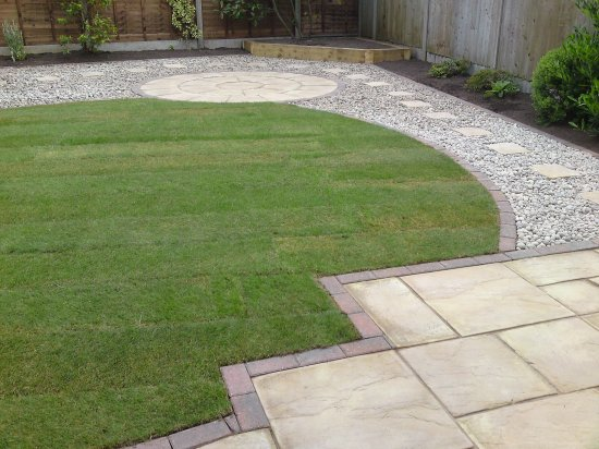 Telford low maintenance garden a 1 large for Large low maintenance garden